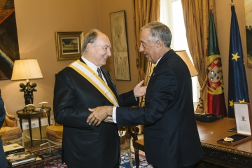 His Highness the Aga Khan receives the Gra-cruz da ordem de Liberdade, or Grand Cross of the Order of Liberty from Portugal's President Marcelo Rebelo de Sousa